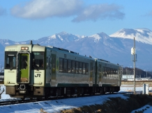 Ligne JR Koumi, train local à Nagano