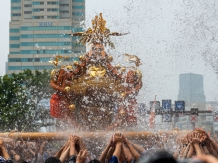 Fukagawa Hachiman Festival, Photo by Hiroshi Ito