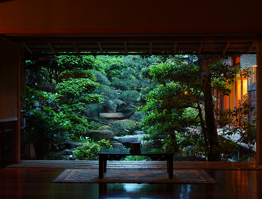 lobby-garden-view