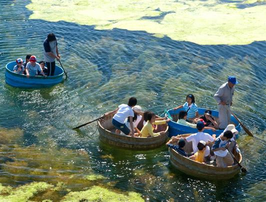 Tarai-bune Boat