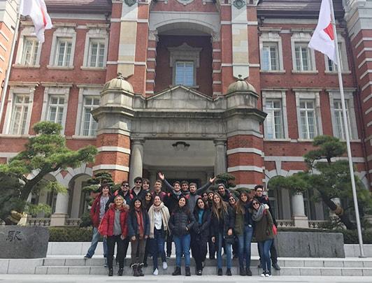 group-tour02-min