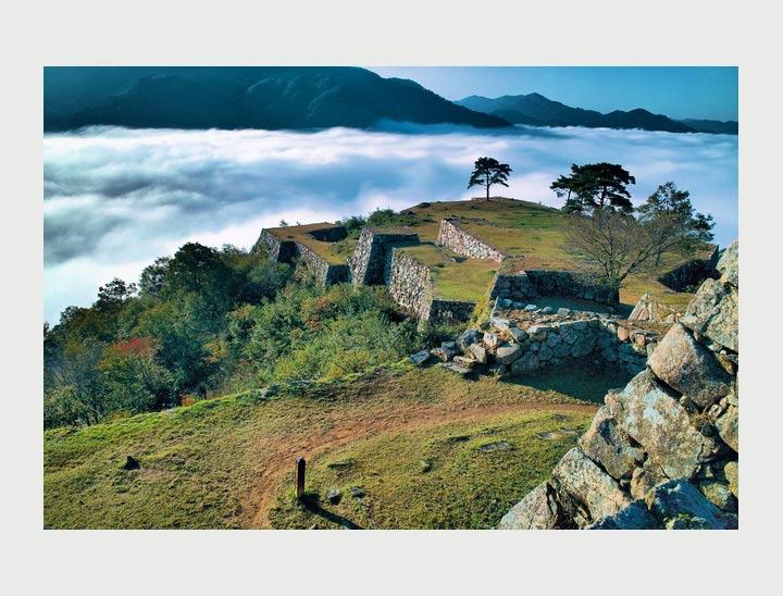 Les ruines du Château Takeda (Ville d'Asago)