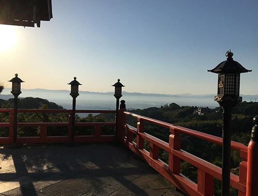 Vue-de-la-terrasse-d'Honfo-matin