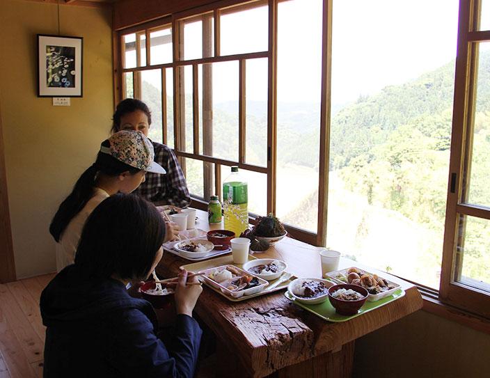 Ukiha rice planting