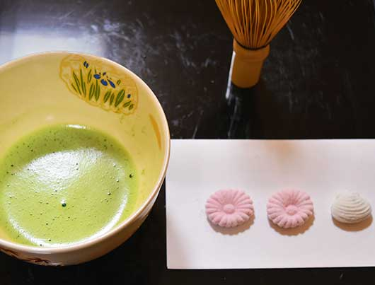 Matcha (Japanese Green Tea) & Sweet