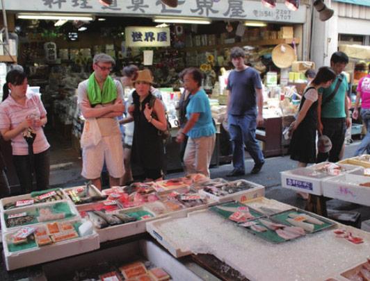 Tsukiji Outer Fish Market ©︎TCVB